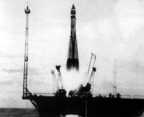 أول قمر صناعي يسبح في الفضاء سبوتنك-1 спутник1