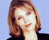 ولدت الممثلة الأمريكية ميشيل فايفر (Michelle Pfeiffer)