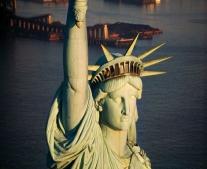 """تدشين تمثال الحرية بالولايات المتحدة """"Statue of Liberty"""""""