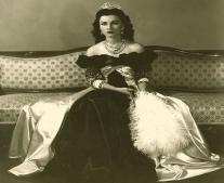 ولدت الأميرة فوزية ابنة فؤاد الأول ملك مصر