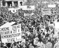 قيام الثورة المخملية في تشيكوسلوفاكيا