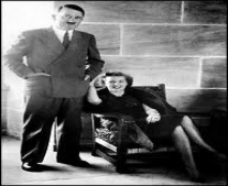 أدولف هتلر وزوجته إيفا براون ينتحران