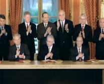 التوقيع بالأحرف الأولى على اتفاقية دايتون للسلام