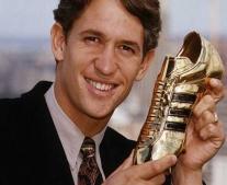 ولد لاعب كرة القدم الإنجليزي جاري لينيكر Gary Lineker