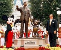 ولد المخرج الأمريكي والت ديزني Walt Disney