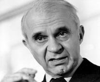 توفي الإقتصادي الأمريكي فاسيلي ليونتييف