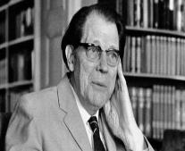 توفي الشاعر والكاتب السويدي هاري مارتنسون Harry Martinson