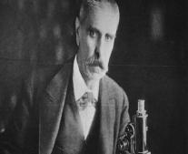 ولد الطبيب النمساوي يوليوس فاغنر Julius Wagner-Jauregg