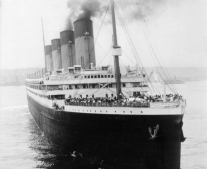 بداية بناء السفينة الإنجليزية المشهورة تيتانيك