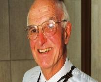 ولد الطبيب الأمريكي جوزيف إدوارد موراي Joseph Edward Murray
