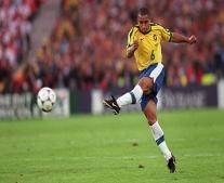 ولد الاعب البرازيلي العالمي روبرتو كارلوس Roberto Carlos.