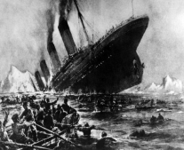 إصطدام السفينة الإنجليزية تيتانيك بجبل جليدي ضخم