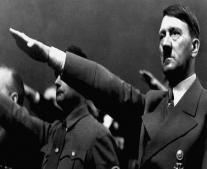 ولد الزعيم والسياسي الألماني ادولف هتلر Adolf Hitler