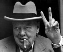 ونستون تشرشل (Winston Churchill) يتولى رئاسة الوزراء في المملكة المتحدة