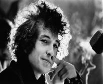 ولد الفنان الامريكي بوب ديلن Bob Dylan