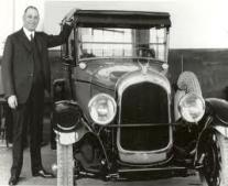 تأسيس مؤسسة كرايسلر العملاقة للسيارات