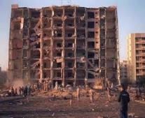 هجوما ارهابيا على جزء من مجمع سكني في مدينة الخبرالسعودية