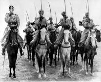 جيش الإمبراطورية الروسية يغزو الدولة العثمانية معلنًا بداية حرب القرم