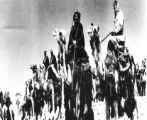 القوات العربية بقيادة البريطاني توماس لورنس يستولون على ميناء العقبة