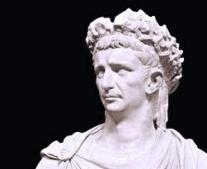 "ولد الامبراطور الروماني طيبربوس كلوديوس ""Tiberius Claudius"""