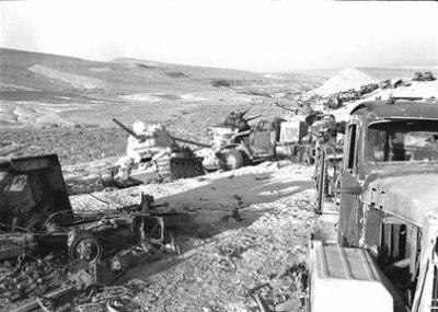 وصول الاحتياطيات الاستراتيجية المدرعة الإسرائيلية لميدان القتال، وشن ضربات مضادة قوية