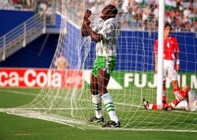 ولد لاعب كرة القدم النيجيري رشيدي يقيني