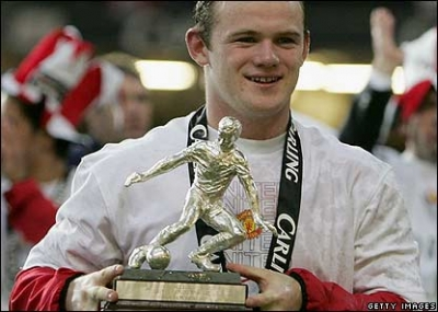 ولد لاعب كرة القدم الإنجليزي واين روني Wayne Mark Rooney