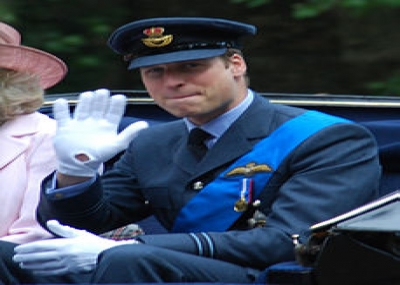 زفاف الأمير ويليام من كيت ميدلتون، والملكة إليزابيث الثانية تمنحهما لقب دوق ودوقة كامبريدج