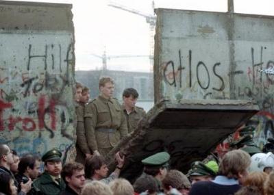 يوم سقوط جدار برلين Berliner Mauer