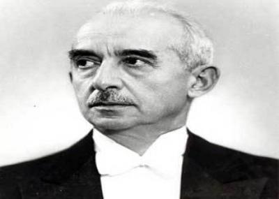 عصمت إينونو يتولى رئاسة الجمهورية التركية