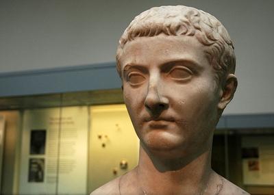 ولد الإمبراطور الرومانى تيبريوس Tiberius