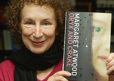 ولدت الكاتبة مارجريت آتوود Margaret Atwood