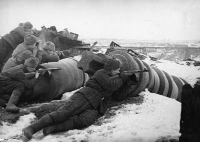 """الجيش الأحمر السوفيتي يبدأ عملية """"أورانوس"""""""
