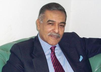 وفاة المحامي والسياسي المصري طلعت السادات