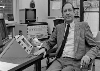 ولد عالم الفيزياء الهولندى سيمون فان دير مير Simon van der Meer