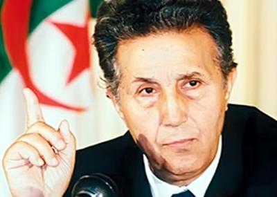 أحمد بن بلة يشكل أول حكومة في الجزائر بعد الاستقلال