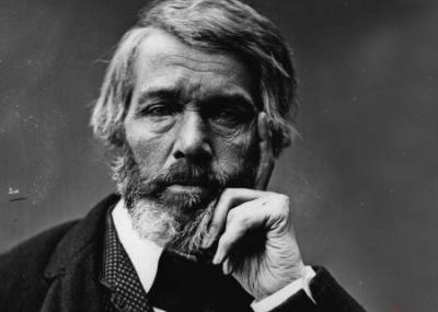 ولد الكاتب والمؤرخ الأسكتلندي توماس كارلايل Thomas Carlyle
