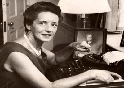 ولدت الكاتبة إيف كوري Ève Curie