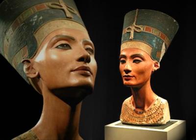 اكتشاف تمثال الملكة نفرتيتي علي يد عالم الآثار الألماني لودفيج بورشاردت Ludwig Borchardt