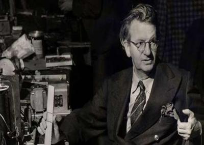 جون لوجي بيرد يخترع أول تلفزيون
