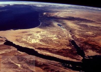 إتفاقية بين بريطانيا والدولة العثمانية تقضي بضم شبه جزيرة سيناء إلى مصر