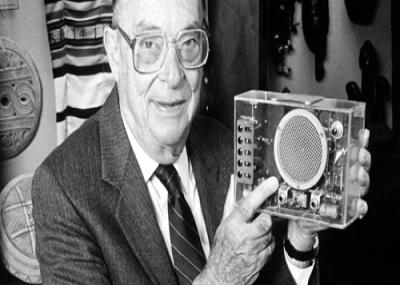 توفي الفزيائي الامريكي جون باردين.