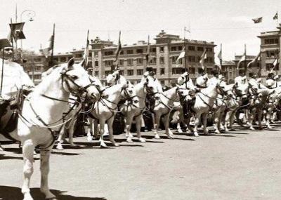 حصار الجيش البريطاني للملك فاروق في قصر عبدين