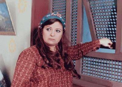 توفيت الممثلة المصرية زيزي مصطفي