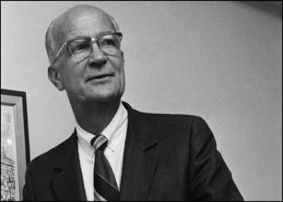 ولد الفزيائي الامريكي ويليام شوكلي William Bradford Shockley