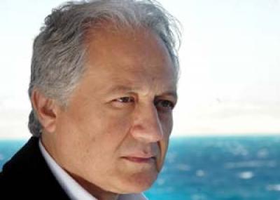 ولد الممثل المصري خالد زكي