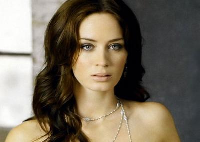 ولدت الممثلة الإنجليزية إيميلي بلنت Emily Blunt