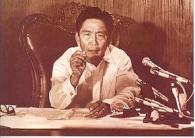 فرار الرئيس الفلبيني فرديناند ماركوس Ferdinand Marcos