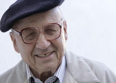 ولد العالم الفزيائي والكميائي والتر كوهن Walter Kohn