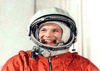 ولد رائد الفضاء السوفيتي يوري جاجارين Yuri Gagarin